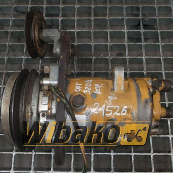 Air conditioning compressor Caterpillar 320