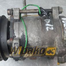 Air conditioning compressor Volvo D12