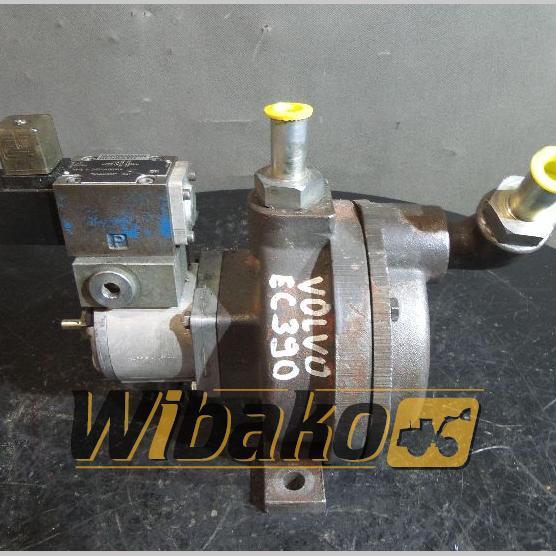 Bomba de agua Volvo EC390