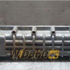 Chłodniczka oleju z obudową silnika Daewoo DE12TIS