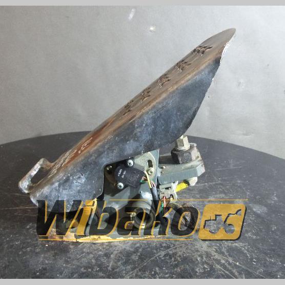 Pedal Liebherr 752