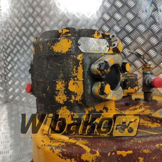 Pompa hydrauliczna Commercial D230-32 657735C91