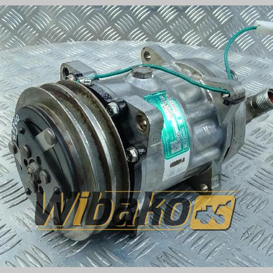Air conditioning compressor Sanden SD7H15 4868704280