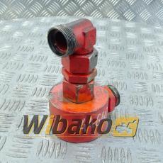 Adapter obudowy chłodniczki oleju silnika Deutz BF6M1013E