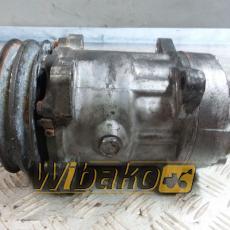 Air conditioning compressor Volvo D7D B709A S46