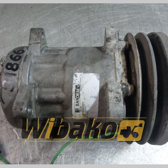 Air conditioning compressor Sanden 1990760C1 02196501071