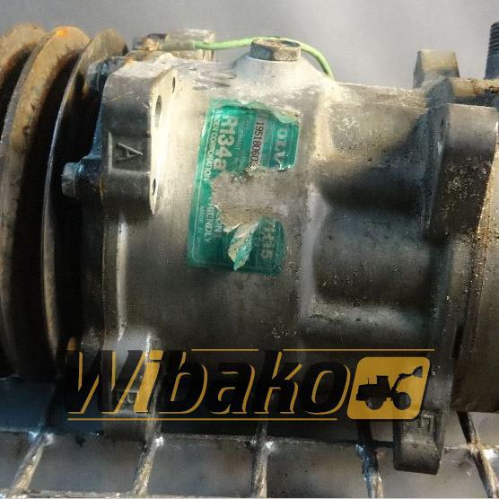 Air conditioning compressor Volvo 8053 195180603